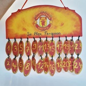Manchester United sötétben fluoreszkáló fa adventi naptár futball rajongóknak., Adventi naptár, Karácsony & Mikulás, Otthon & Lakás, Decoupage, transzfer és szalvétatechnika, Manchester United sötétben flureszkáló fa adventi naptár futball rajongoknak. \n\nA külső bevonatnak k..., Meska