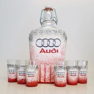 Audi emblémás csatos üveg röviditalos poharakkal autó rajongói ajándék, Üveg & Kancsó, Konyhafelszerelés, Otthon & Lakás, Decoupage, transzfer és szalvétatechnika, Audi emblémás csatos üveg röviditalos poharakkal autó rajongói ajándékl\n\nAz üveg és a poharak űrtart..., Meska