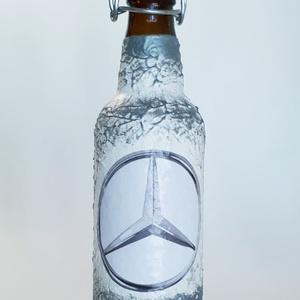 Mercedes csatos dísz- és használati italos üveg pálinkás üveg merci rajongói ajándék, Díszüveg, Dekoráció, Otthon & Lakás, Decoupage, transzfer és szalvétatechnika, Mercedes csatos dísz- és használati italos üveg pálinkás üveg merci rajongói ajándék férfiaknak, fér..., Meska