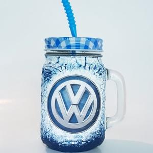Volkswagen szívószálas üveg, bögre, korsó 3 in 1, Konyhafelszerelés, Otthon & lakás, Bögre, csésze, Férfiaknak, Legénylakás, Decoupage, transzfer és szalvétatechnika, Volkswagen szívószálas üveg, bögre, korsó 3 in 1. (500 ml )\n\nDíjmentesen kérhető rá egyedi felirat. ..., Meska