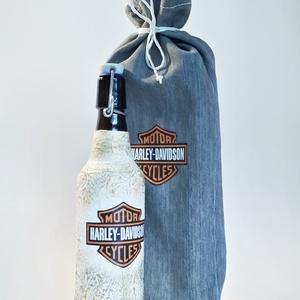 Harley Davidson  csatos dísz- és használati italos üveg, pálinkás üveg, rajongói ajándék., Otthon & Lakás, Dekoráció, Díszüveg, Harley Davidson  csatos dísz- és használati italos üveg, pálinkás üveg, rajongói ajándék  névnapra, ..., Meska