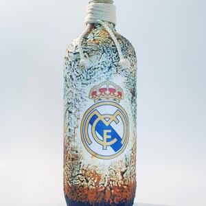 Real Madrid foci rajongói ajándék - italos dísz- és használati üveg. , Díszüveg, Dekoráció, Otthon & Lakás, Decoupage, transzfer és szalvétatechnika, Real Madrid foci rajongói ajándék - italos dísz- és használati üveg. \n\nŰrtartalma: 750 ml -1000 ml\n\n..., Meska