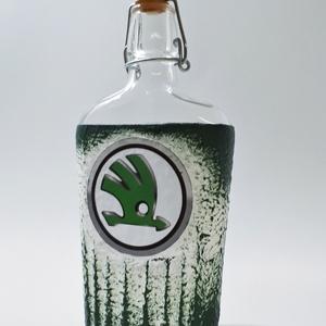 SKODA italos üveg, SKODA rajongói ajándék gravírozható pálinkás üveg szülinapra, névnapra, karácsonyra., Otthon & Lakás, Dekoráció, Díszüveg, SKODA italos üveg, SKODA rajongói ajándék gravírozható pálinkás üveg szülinapra, névnapra, karácsony..., Meska