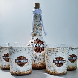 Harley Davidson whiskeys dísz- és használati italos üveg 4db whkiskeys pohárral rajongói ajándék., Otthon & lakás, Konyhafelszerelés, Férfiaknak, Sör, bor, pálinka, Legénylakás, Decoupage, transzfer és szalvétatechnika, Harley Davidson whiskeys dísz- és használati italos üveg 4db whiskey pohárral  rajongói ajándék névn..., Meska