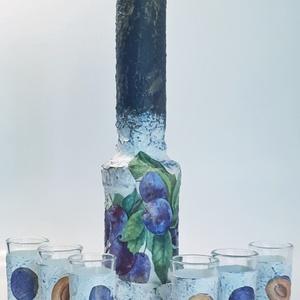 Szilvás italos dísz- és használati üveg röviditalos pohárral pálinka tárolására, házavatóta, névnapra, szülinapra. , Otthon & Lakás, Díszüveg, Dekoráció, Szilvás italos dísz- és használati üveg röviditalos pohárral pálinka tárolására, házavatóta, névnapr..., Meska