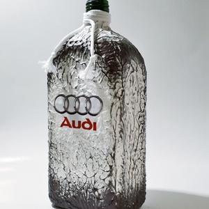 Audi emblémás lapos üveg autó rajongói ajándék 1000 ml. , Üveg & Kancsó, Konyhafelszerelés, Otthon & Lakás, Decoupage, transzfer és szalvétatechnika, Audi emblémás lapos üveg autó rajongói ajándék.\n\nAz üveg űrtartalma: 1000 ml. \n\nAudi rajongó család ..., Meska