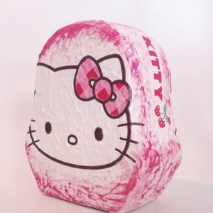 Hello Kitty kerámia persely szülinapra, névnapra, gyermeknapra., Persely, Dekoráció, Otthon & Lakás, Decoupage, transzfer és szalvétatechnika, Hello Kitty kerámia persely, szülinapra, névnapra, mikulásra, gyermeknapra. \n\nAnyaga: kerámia. \nMére..., Meska