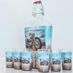 Motoros csatos dísz- és használati italos üveg, pálinkás üveg röviditalos poharakkal, motor rajongói ajándék., Otthon & Lakás, Pohár, Konyhafelszerelés, Motors csatos dísz- és használati italos üveg, pálinkás üveg röviditalos poharakkal, motor rajongói ..., Meska