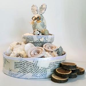 Vintage virágbox vintage kaspóval vintage nyuszival fürjtojással múltidéző húsvéti asztalidísz tavaszi asztali dekoráció, Otthon & lakás, Dekoráció, Dísz, Ünnepi dekoráció, Húsvéti díszek, Lakberendezés, Kaspó, virágtartó, váza, korsó, cserép, Decoupage, transzfer és szalvétatechnika, Vintage virágbox vintage virág doboz vintage kaspóval vintage nyuszival fürjtojással múltidéző húsvé..., Meska