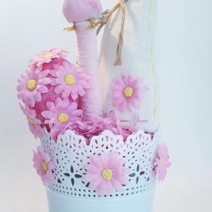 Húsvéti pink asztali dísz margarétás tojásal pink zsenília ágon ülő pink madárral + textil nyuszival virágos kaspóban, Otthon & lakás, Dekoráció, Dísz, Ünnepi dekoráció, Húsvéti díszek, Lakberendezés, Asztaldísz, Mindenmás, Húsvéti pink asztali dísz margarétás tojásal pink zsenília ágon ülő pink madárral + textil nyuszival..., Meska