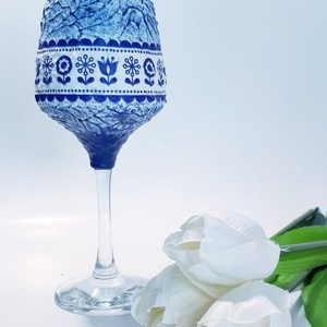 Kék virágmintás népművészeti dísz- és használati boros pohár, italos pohár szülinapra, anyáknapjára, Otthon & lakás, Konyhafelszerelés, Dekoráció, Ünnepi dekoráció, Anyák napja, Bögre, csésze, Férfiaknak, Sör, bor, pálinka, Decoupage, transzfer és szalvétatechnika, Kék virágmintás népművészeti dísz- és használati borospohár, italos pohár névnapra, szülinapra, anyá..., Meska