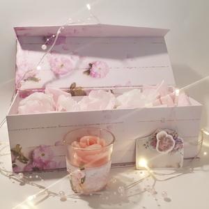 Babarózsa rózsa gyertya üveg gyertyatartóban díszdobozban rózsaszirom imitációval ajándékkártyával, ajándék szülinapra, Gyertya & Gyertyatartó, Dekoráció, Otthon & Lakás, Decoupage, transzfer és szalvétatechnika, Babarózsa rózsa gyertya üveg gyertyatartóban díszdobozban rózsaszirom imitációval ajándékkártyával, ..., Meska