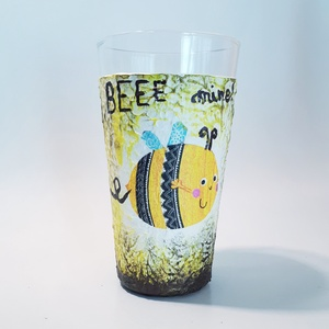 Beee Happy, mine, free, let it beee méhecskés vizes pohár üdítős pohár névnapra, szülinapra, gyermeknapra, Otthon & lakás, Konyhafelszerelés, Lakberendezés, Bögre, csésze, Decoupage, transzfer és szalvétatechnika, Beee Happy\nBeee Free\nBeee Mine\nLet it Beee\n\nMéhecskés vizes pohár, üdítős pohár, konyhai kiegészítő ..., Meska