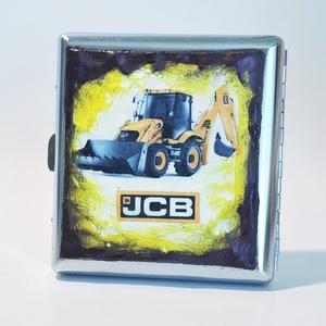 JCB traktor sötétben fluoreszkáló fém cigaretta tárca, cigi tartó rajongói ajándék férfiaknak, férjeknek, barátoknak., Cigarettatárca, Pénztárca & Más tok, Táska & Tok, Decoupage, transzfer és szalvétatechnika, JCB traktor sötétben fluoreszkáló fém cigaretta tárca, cigi tartó futball rajongói ajándék férfiakna..., Meska