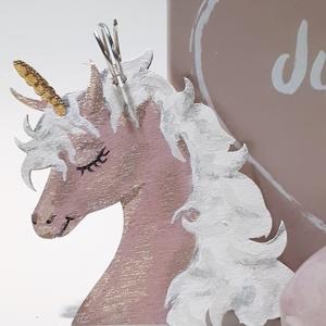 Unikornis fa festett kulcsartó puder színű díszdobozban, egyedi ajándék egyedi kivitelben: just for you (Biborvarazs) - Meska.hu