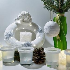 Fehér-ezüst karácsonyi zsenília hópelyhes koszorú, ajtódísz, kopogtató, szobadísz+ üveg gravírozott adventi mécses szett, Otthon & Lakás, Karácsony & Mikulás, Karácsonyi dekoráció, Mindenmás, Fehér-ezüst karácsonyi zsenília hópelyhes koszorú, ajtódísz, kopogtató, szobadísz + üveg gravírozott..., Meska