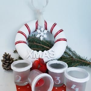 Fehér - piros karácsonyi zsenília szarvasos koszor ajtódísz kopogtató szobadísz+ üveg gravírozott adventi mécses szett., Otthon & Lakás, Karácsony & Mikulás, Karácsonyi dekoráció, Mindenmás, Fehér - piros karácsonyi zsenília szarvasos hópelyhes koszorú, ajtódísz, kopogtató, szobadísz + üveg..., Meska