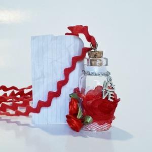 Üveg szelence piros nyaklánc holdkő ásvánnyal love függővel szülinapra, névnapra, karácsonyra, adventre, mikulásra. , Ékszer, Nyaklánc, Medálos nyaklánc, Üveg szelence piros nyaklánc holdkő ásvánnyal love függővel szülinapra, névnapra, karácsonyra, adven..., Meska