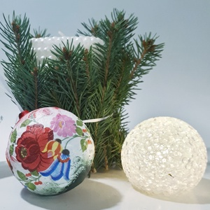 Kalocsai magyaros karácsonyfagömb ajándék karácsonyra piros-fehér-zöld dekorációk kiegészítője. , Karácsony, Karácsonyi lakásdekoráció, Karácsonyfadíszek, Decoupage, transzfer és szalvétatechnika, Meska