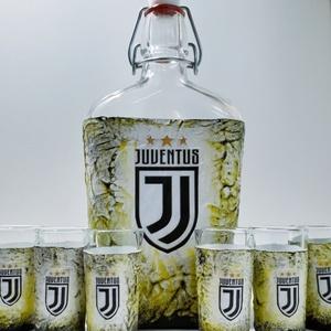 Juventus foci rajongói csatos italos dísz- és használati pálinkás, boros üveg röviditalos poharakkal. Egyedi ajándék. , Otthon & Lakás, Dekoráció, Díszüveg, Juventus foci rajongói csatos italos dísz- és használati pálinkás boros üveg röviditalos poharakkal...., Meska