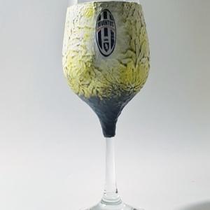 Juventus foci rajongói boros dísz- és használati pohár. Egyedi ajándék szülinapra, névnapra, karácsonyra., Otthon & Lakás, Konyhafelszerelés, Pohár, Juventus foci rajongói boros dísz- és használati pohár (2dl)  Kérhető új emblémával is.   Tekintsd m..., Meska