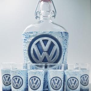 VOLKSWAGEN italos üveg Volkswagen rajongói ajándék röviditalos pohárkészlettel szülinapra, névnapra, karácsonyra. , Otthon & Lakás, Konyhafelszerelés, Pohár, Decoupage, transzfer és szalvétatechnika, VOLKSWAGEN italos üveg Volkswagen rajongói ajándék pálinkás pohárszettel szülinapra, névnapra, karác..., Meska