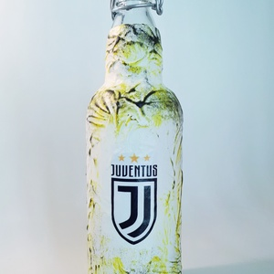 JUVENTUS csatos üveg, JUVENTUS pálinkás üveg, foci rajongói italos üveg, egyedi szülinapi ajándék futball rajongóknak. , Otthon & Lakás, Dekoráció, Díszüveg, Decoupage, transzfer és szalvétatechnika, JUVENTUS csatos üveg, JUVENTUS pálinkás üveg, foci rajongói italos üveg, egyedi szülinapi ajándék fu..., Meska