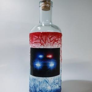 Rendőrautó pálinkás üveg rendőrnek: szolgálunk és védünk italos üveg képes egyedi ajándék férfiaknak születésnapra, Otthon & Lakás, Dekoráció, Díszüveg, Decoupage, transzfer és szalvétatechnika, Rendőrautó pálinkás üveg rendőrnek: rendőrségi autó szolgálunk és védünk italos üveg képes egyedi aj..., Meska