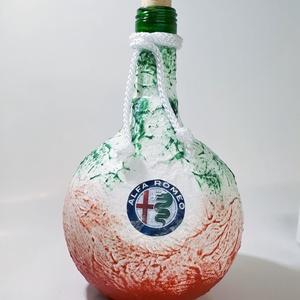 ALFA ROMEO italosüveg, ALFA ROMEO rajongói ajándék pálinkás üveg szülinapra, névnapra, karácsonyra, saját fotóval is. , Otthon & Lakás, Dekoráció, Díszüveg, Decoupage, transzfer és szalvétatechnika, ALFA ROMEO italosüveg, ALFA ROMEO rajongói ajándék pálinkás üveg szülinapra, névnapra, karácsonyra, ..., Meska