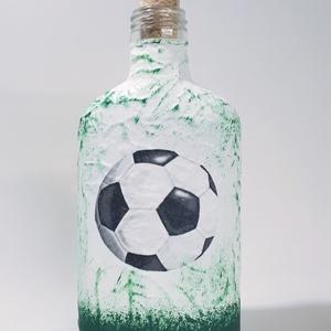 Focis pálinkás lapos üveg zöld-fehér futball labdás rajongói névnapi ajándék férfiaknak férfiaknak., Otthon & Lakás, Dekoráció, Díszüveg, Decoupage, transzfer és szalvétatechnika, Focis pálinkás lapos üveg zöld-fehér  futball labdás üveg,  futball rajongói ajándék férfiaknak, szü..., Meska
