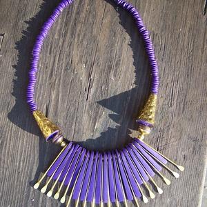 Kleopátra nyaklánc � lila, rézzel - ékszer - nyaklánc - statement nyaklánc - Meska.hu