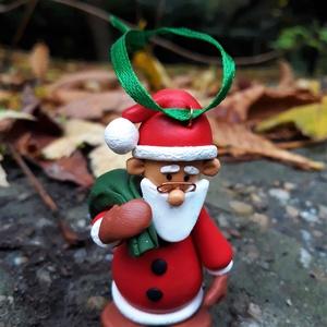 Mikulás figura - karácsonyfadísz, Karácsony & Mikulás, Mikulás, Gyurma, Aranyos Mikulásfigura a karácsonyfára, vagy dekorációként!\n\nA figura magassága: 6,5 cm.\n, Meska
