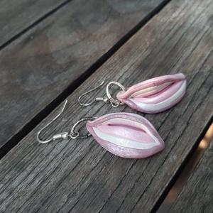 Recés leveles fülbevaló - rózsaszín-fehér - ékszer - fülbevaló - lógó fülbevaló - Meska.hu