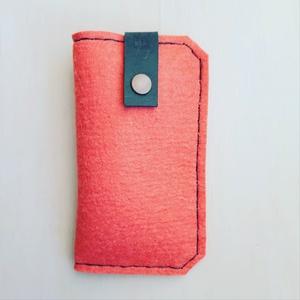 Telefontok , Telefontok, Pénztárca & Más tok, Táska & Tok, Varrás, 100 % gyapjú telefontok, egy bőr pánttal és patenttal záródik. \n19×11 cm, de kérhető egyedi méretben..., Meska