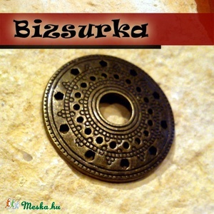 Tibeti stílusú, kerek, antik bronz medálalap. köztes, lap, Gyöngy, ékszerkellék, Ékszerkészítés, Kerek, antik bronz medálalap. köztes, lap. Sokoldalú ékszerkellék. Készíthetsz belőle fülbevalót, ny..., Meska