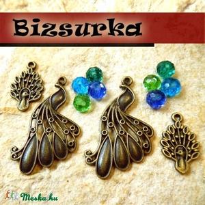 Antik bronz színű páva csomag, Gyöngy, ékszerkellék, Egyéb alkatrész, Ékszerkészítés, Antik bronz színű páva csomag.\n\nA csomag tartalma:\n\n-2db nagy páva,35 x 20 mm,\n-2db kis páva ,19 x 1..., Meska