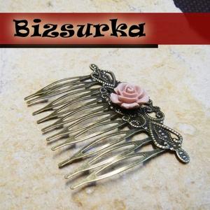 1db Antik bronz hajfésű + 1db rózsa kaboson, Gyöngy, ékszerkellék, Ékszerkészítés, Antik bronz hajfésű rózsa kabosonnal.\n\nMérete: 65 x 46 mm.\nRózsa mérete: 13 mm.\n\nAz ár 1 db hullámcs..., Meska