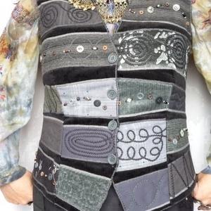 Fekete - szürke színű mellény, Mellény, Női ruha, Ruha & Divat, Varrás, Patchwork, foltvarrás, Rátétes technikával készült, elején és hátán formázó varrásokkal elkészített mellény. \nElejét és hát..., Meska
