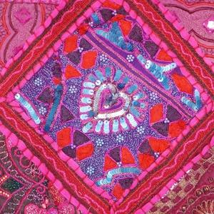 AJÁNDÉKKAL! Pink, hímzett, patchwork, kézi táska  (bkrisztina) - Meska.hu