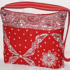 AJÁNDÉKKAL! Piros-ezüst, flitteres, nagy méretű táska (bkrisztina) - Meska.hu