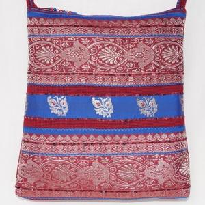 AJÁNDÉKKAL! Bordó-ezüst, indiai virág mintás, kék csíkos, közepes méretű válltáska (bkrisztina) - Meska.hu
