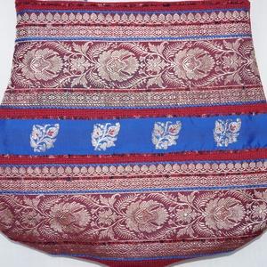 Bordó-ezüst-kék, íves formájú, indiai virág mintás, rozsdabarna csíkos, közepes méretű válltáska (bkrisztina) - Meska.hu