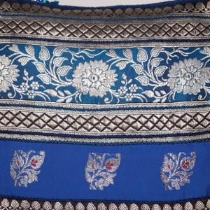 Kék-ezüst, indiai virág mintás, közepes  méretű válltáska (bkrisztina) - Meska.hu
