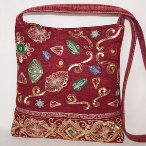 AJÁNDÉKKAL! Bordó-arany, színkavalkádos indiai esküvő, kézzel hímzett, flitteres válltáska (bkrisztina) - Meska.hu