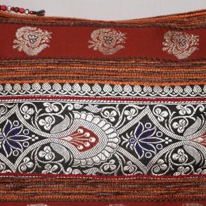 AJÁNDÉKKAL!  Rozsdabarna-ezüst-fekete, indiai virág mintás, rozsdabarna csíkos, közepes méretű válltáska (bkrisztina) - Meska.hu