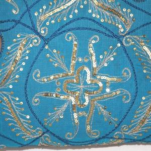 AJÁNDÉKKAL! Türkizkék-arany, virágos indiai esküvő, kézzel hímzett, flitteres válltáska (bkrisztina) - Meska.hu