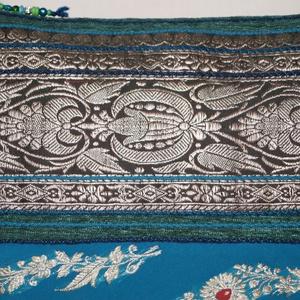 Zöld-türkizkék-ezüst, indiai virág mintás, türkizkék csíkos, közepes méretű válltáska (bkrisztina) - Meska.hu