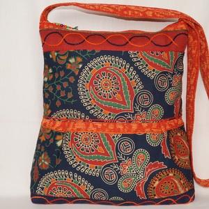 Kék-zöld-narancs, indiai álmodozás, 2 oldalt különböző mintával díszített, nagy méretű válltáska, Nagy pakolós táska, Kézitáska & válltáska, Táska & Tok, Patchwork, foltvarrás, Varrás, Kék, zöld és narancssárga, dekorszövetekből és különleges, nyomott mintás, pamutvászonból készült, k..., Meska