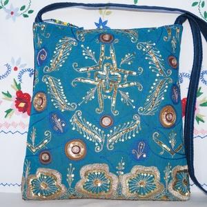 Türkizkék-arany, virágos indiai esküvő, kézzel hímzett, flitteres válltáska 2., Válltáska, Kézitáska & válltáska, Táska & Tok, Hímzés, Varrás, Indiai, kézzel hímzett, különleges, antik, esküvői szári anyagból készítettem ezt a türkizkék-arany ..., Meska