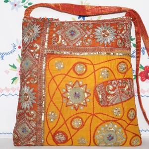 Sárga-arany, virágos indiai esküvő, kézzel hímzett, flitteres válltáska 2., Táska & Tok, Kézitáska & válltáska, Vállon átvethető táska, Hímzés, Varrás, Meska